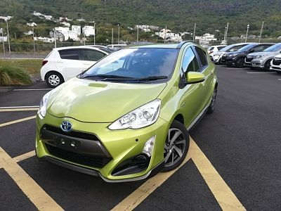 Toyota Aqua X Urban Light Green with Body Kit